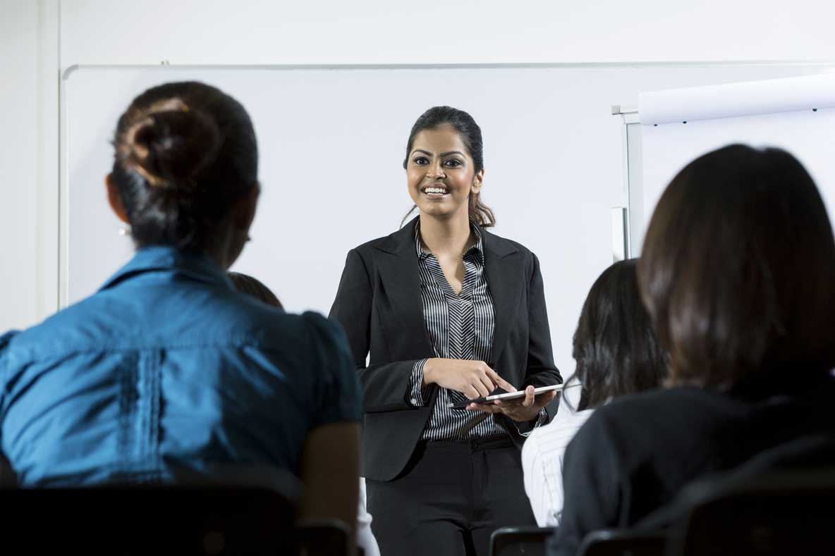 How to Improve Presentation Skills in English at Spoken English India